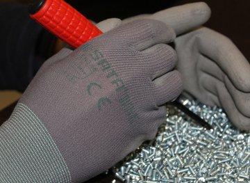 Сферы применения антистатических перчаток