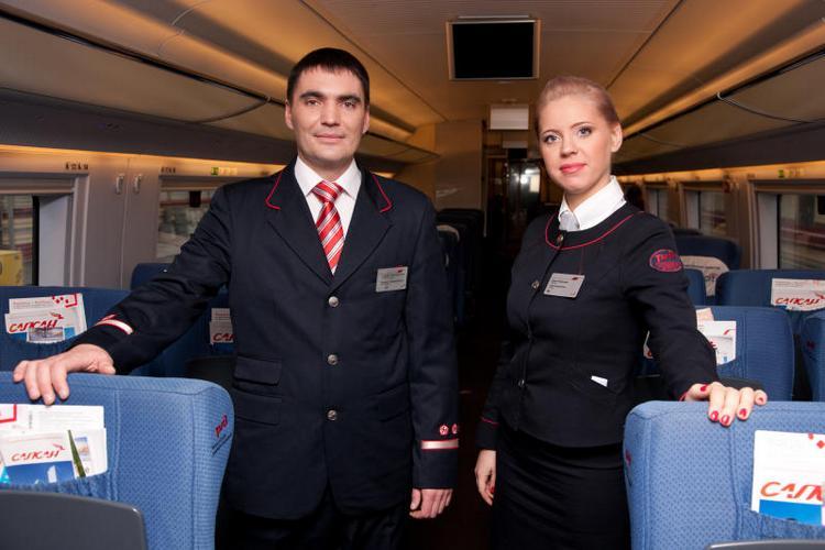 Мужская и женская униформа работников РЖД