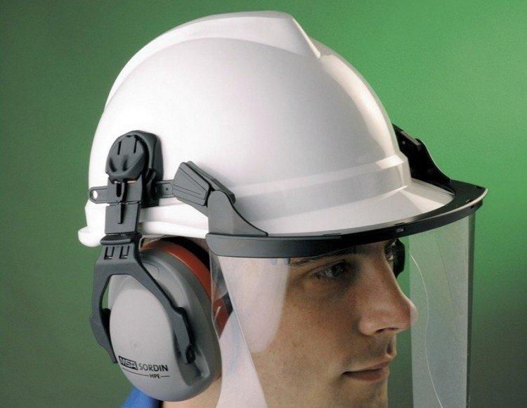 Защитные шлемы из поликарбоната