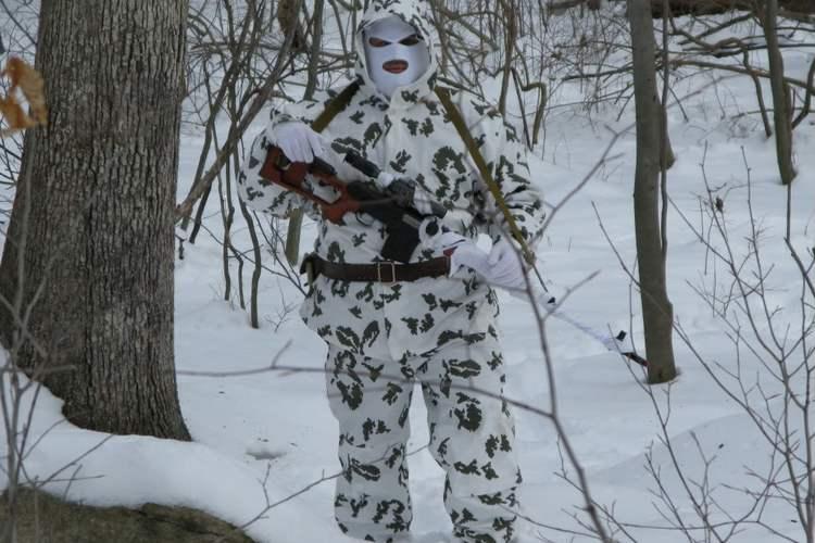 Зимний маскировочный костюм