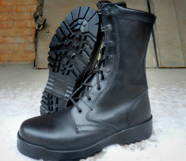 Зимняя обувь для солдат