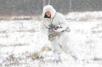 Используется в зимнее время для маскировки на снегу
