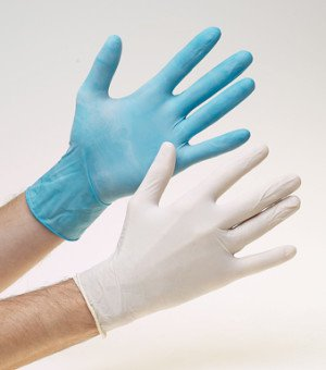 сравнение нитриловых и латексных перчаток